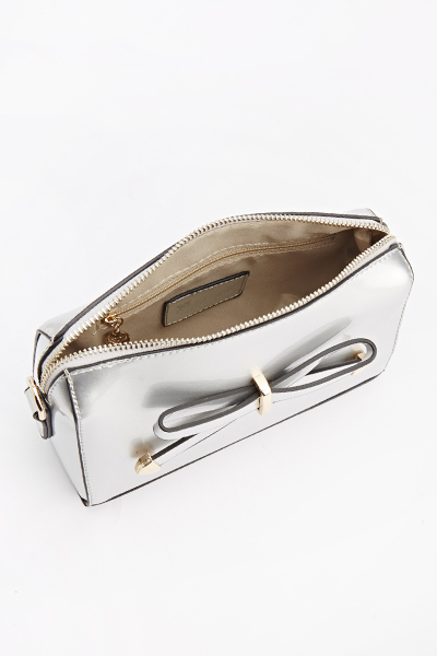 Metallic Front Bow Clutch Bag