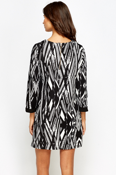 Geo Print Cropped Sleeve Dress