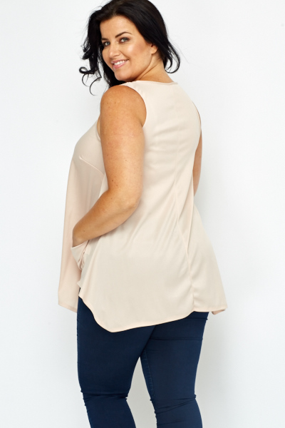Keyhole Neck Shell Top