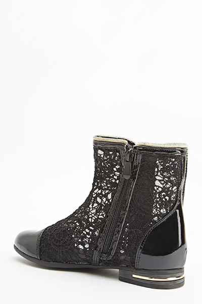Mesh Contrast Flat Boots