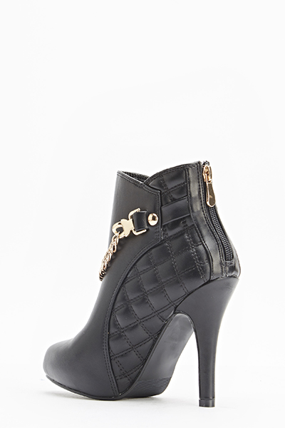 Quilted Trim Chain Front Boots