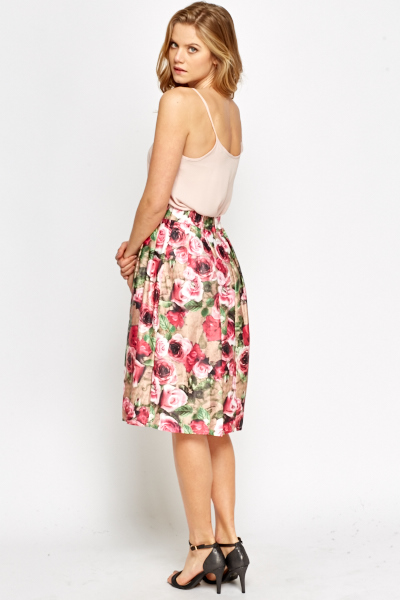High Waisted Pleated Rose Print Skirt