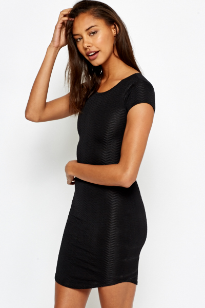 Zig Zag Textured Bodycon Dress