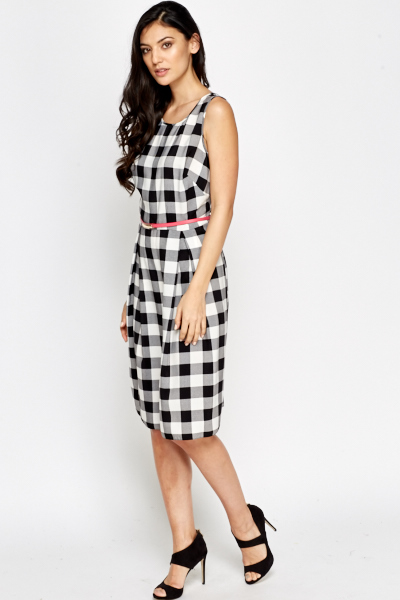 Contrast Belt Checked Dress