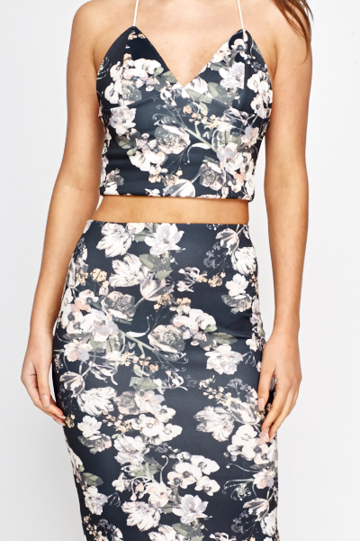 Floral Crop Top And Skirt Set