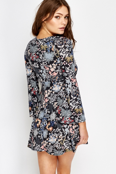 Petite Plunge Floral Swing Dress