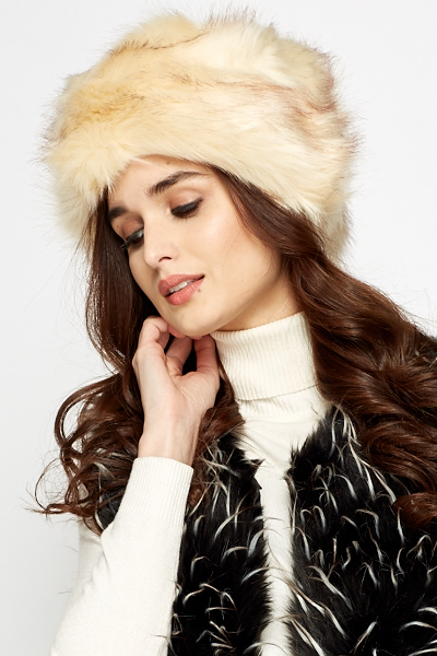 Two Tone Faux Fur Hat - Just £5 2ab3bdbc116