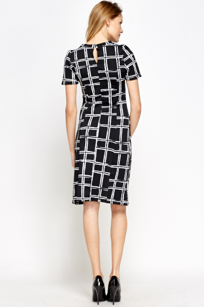 Mono Grid Print Swing Dress