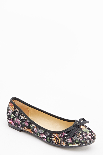 Printed Lace Overlay Pumps