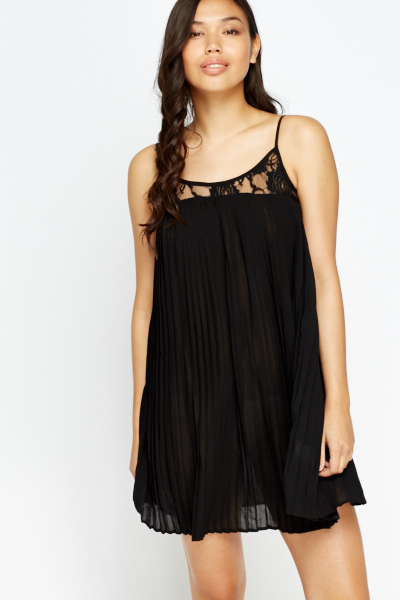 Lace Trim Pleated Dress