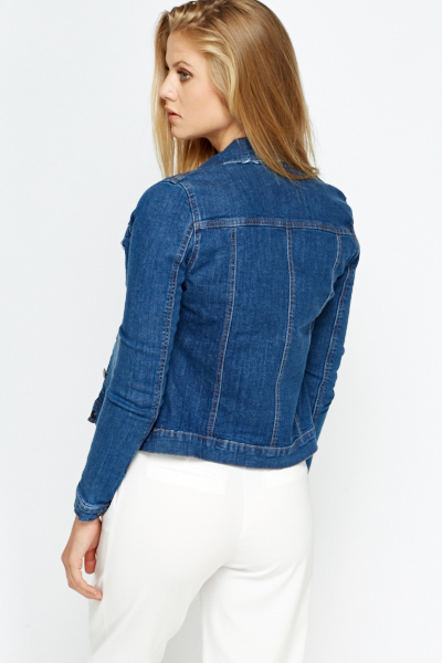 A cute denim jacket is a key piece for coordinating with all your go-to bottoms. Great for wearing to school or on days off, you'll love how versatile denim can be! Great for wearing to school or on days off, you'll love how versatile denim can be!
