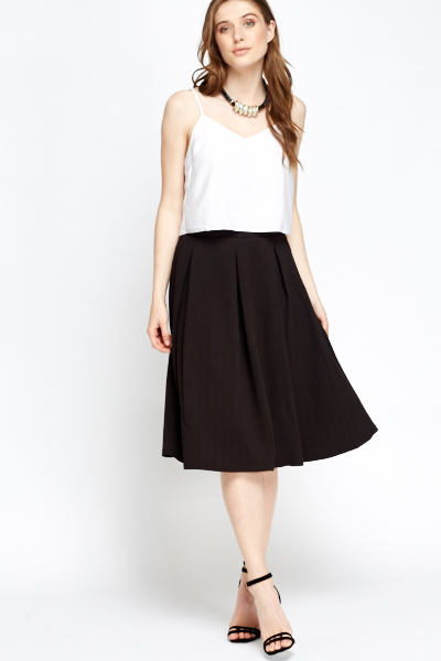 Textured Pleated Swing Skirt
