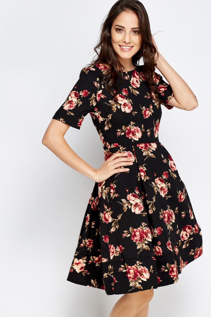 409a77ba77 Black Floral Pleated Skater Dress - Just £5