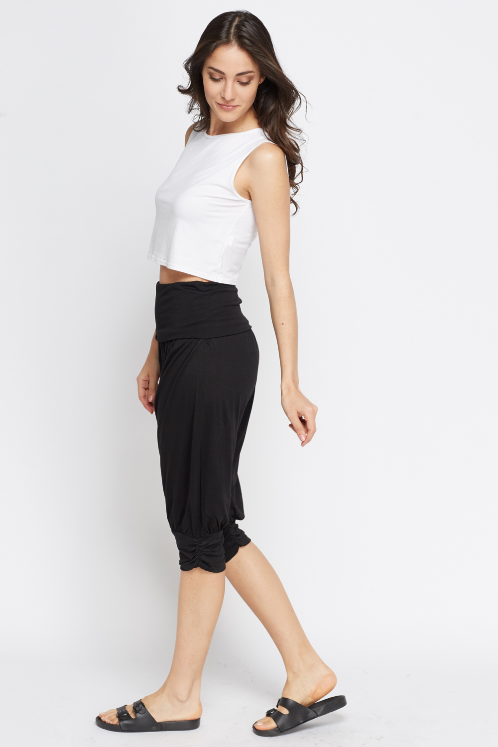 Discover cropped trousers with ASOS. From capri and cigarette pants to cropped flares in chino. Shop from our range of cropped trousers at ASOS.