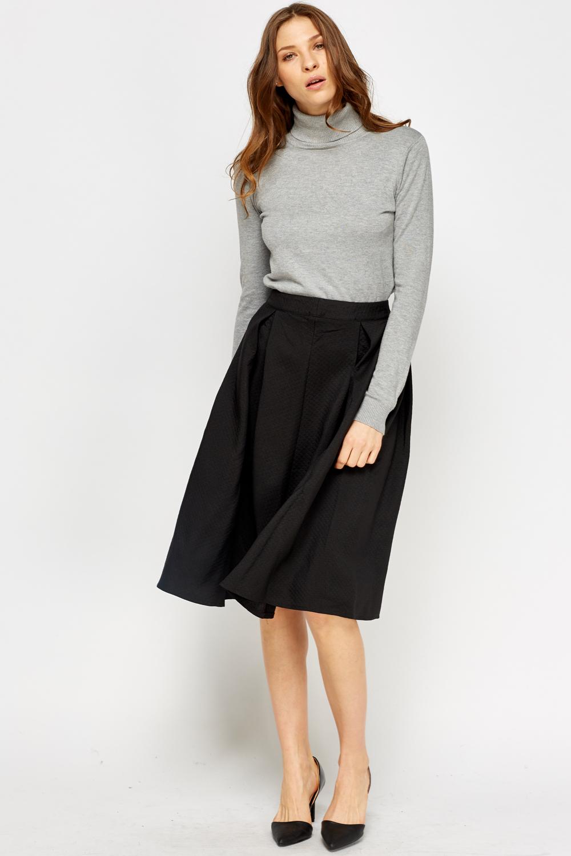 High Waist Ruffle Skirt ($11) liked on Polyvore featuring skirts, bottoms, saias, black, a-line skirt, high waisted knee length skirt, short ruffle skirt, high waisted short skirts and short a line skirt.
