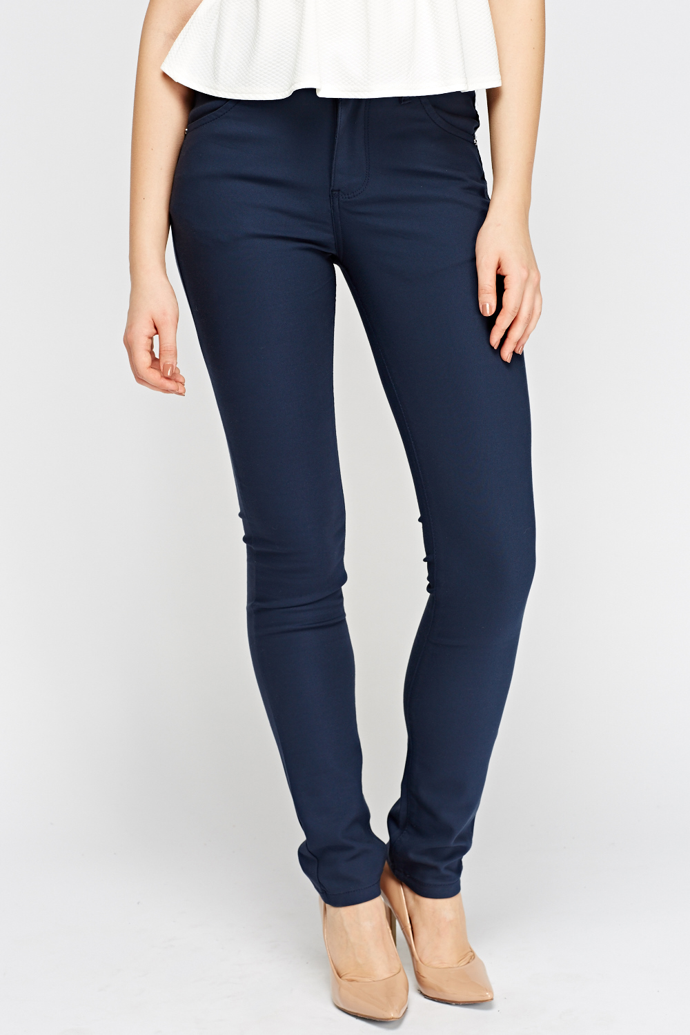 But that's not all. Wearing tight pants is associated with a host of negative consequences for both men and women. For starters, the same reason tight pants causes infertility problems in men (overheating of the crotch area) can cause yeast infections and urinary tract infections in women.