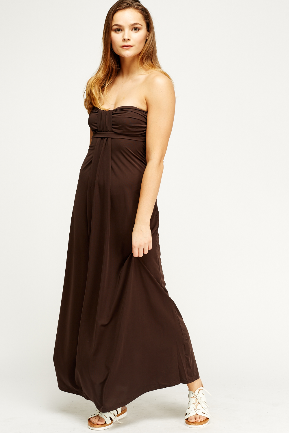 This dress is a great basic item for any ladies wardrobe. It's intended as a basic cover-over which works with almost any top. Since it provides adequate coverage at the neckline and shoulders, it's great for those pretty lacy tops that otherwise would require multiple layers to be modestly worn.