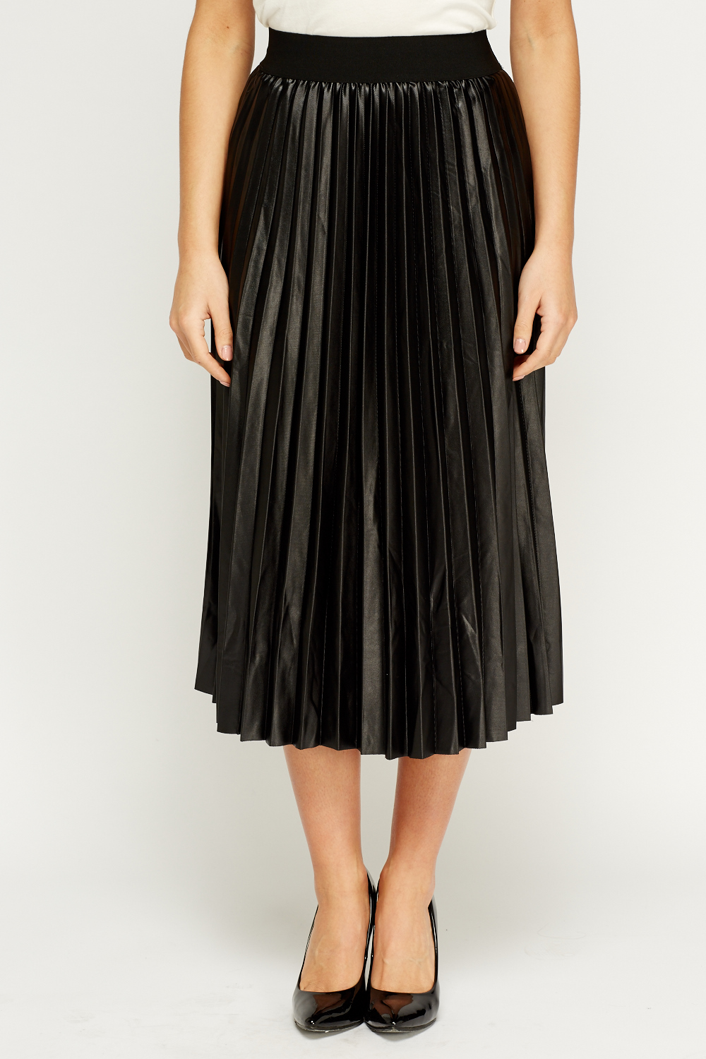 High waisted, and elastic waistband at both side. High waisted. The bright tone design has a gorgeous sheen to it and finishes at a ladylike, midi length for retro flair. Get way ahead of the fashion curve with our luxe faux leather pleated midi skirt. | eBay!
