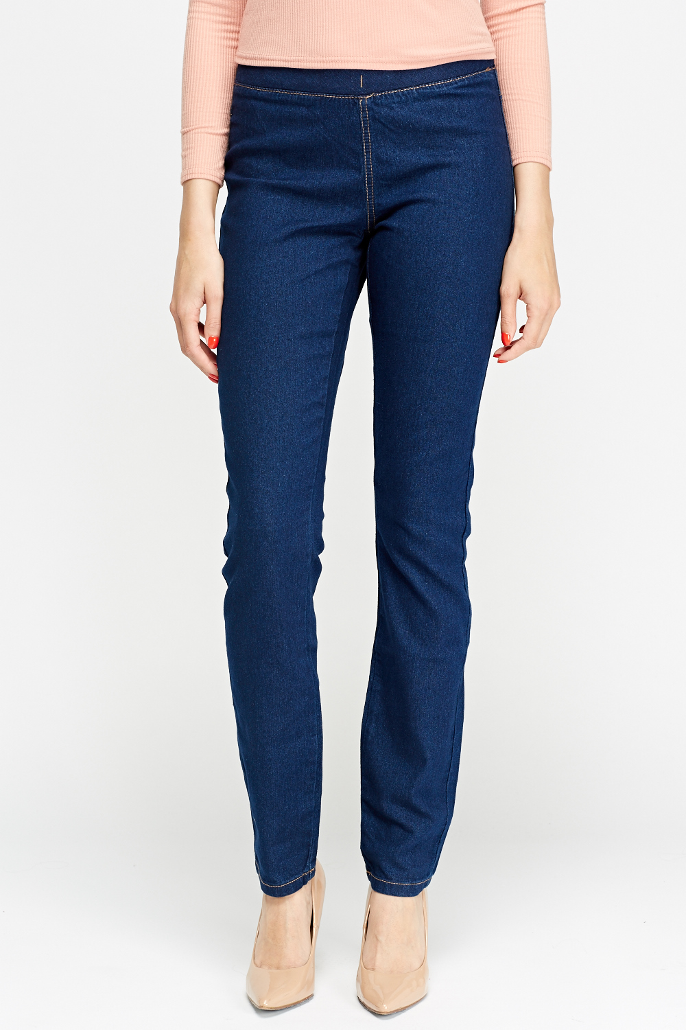 The key to flawless form? Start with these ultra-slimming jeggings—they ease over your silhouette and stretch without stretching out. With tunics, tees, and sweaters, wear them everywhere—you'll never want to take them off. (Because we're firm believers that denim should feel as fabulous as it looks.) Fabric stretches without stretching out.
