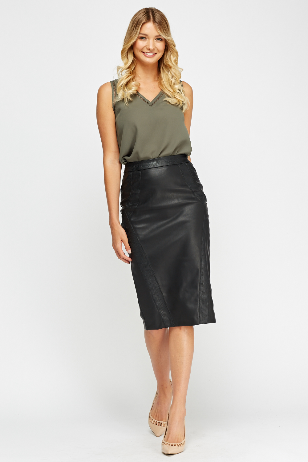 River Island faux leather midi skirt in black. £ Boohoo leather look midi skirt in black. £ Warehouse faux leather a-line wrap mini skirt in black. £ River Island faux leather zip detail skirt in black. £ 2NDDAY patent skirt. £ ASOS DESIGN leather look mini skirt .