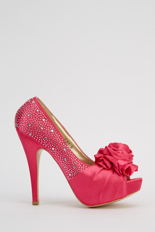 167aba64ff0 3D Flower High Heels - Black/White - Just £5