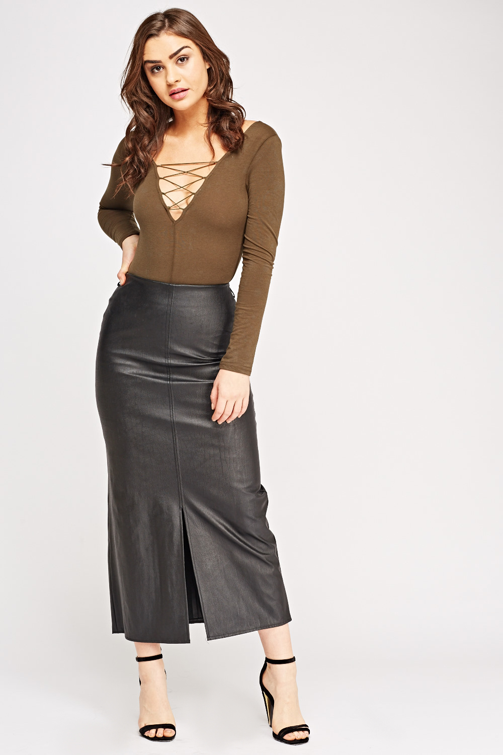 Kaboo Bra Outfit With White Shirt Monica Beatrice Welburn The Elgin Avenue Leather Skirt